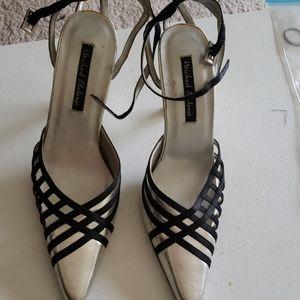 Dress heeled shoes